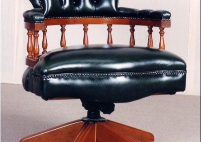 Captain Swivel Chair